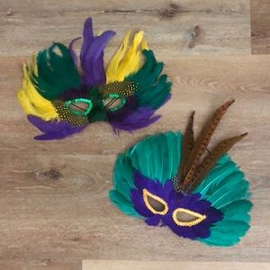 Lot of 2-Feather masks